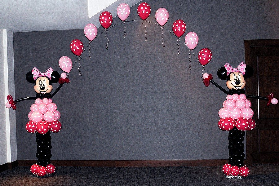 Minnie Mouse Balloon Arch