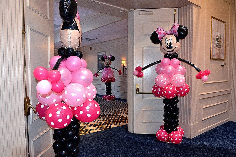 Minnie mouse balloon sculptures for Balloon decoration minnie mouse