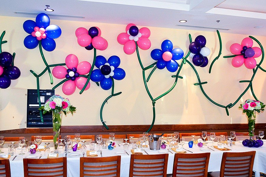 Kids party balloon decorations