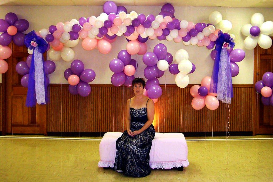 Balloon Flower Wall Decoration : Hanging arch and flower wall
