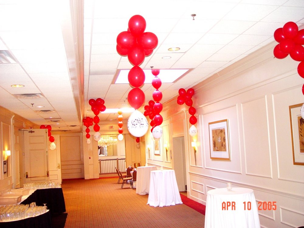 Ceiling decoration for the music theme for Balloon decoration for ceiling